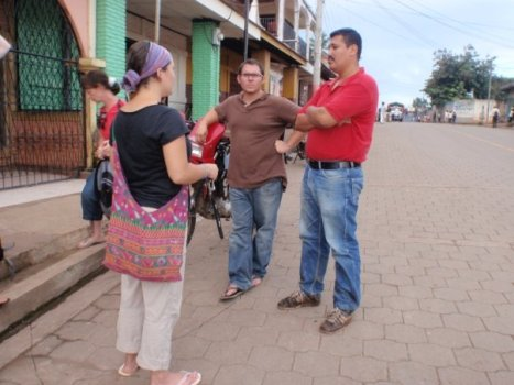 Meaghan and Jordan talk with Moises, a local engineer.